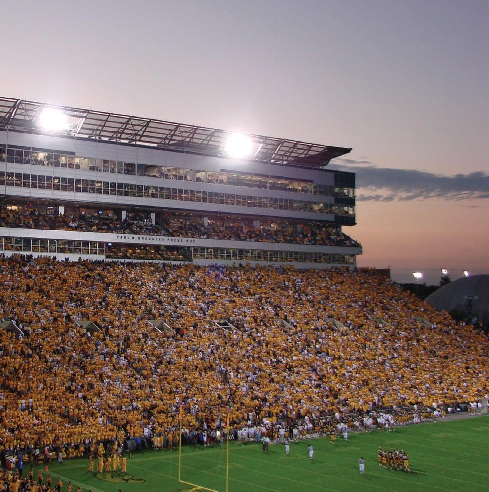 Kinnick_stadium