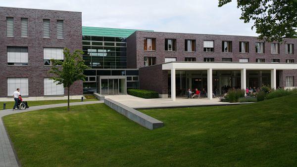 architecture-buildings-center-263399_OPTIMIZED